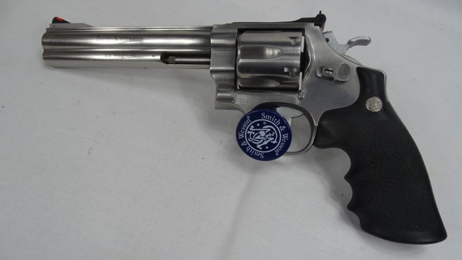 S&W Revolver Mod 629 In Kaliber .44 Mag Met 6 Duim Loop In Zeer Goede Staat. Prijs 695,00€ T644