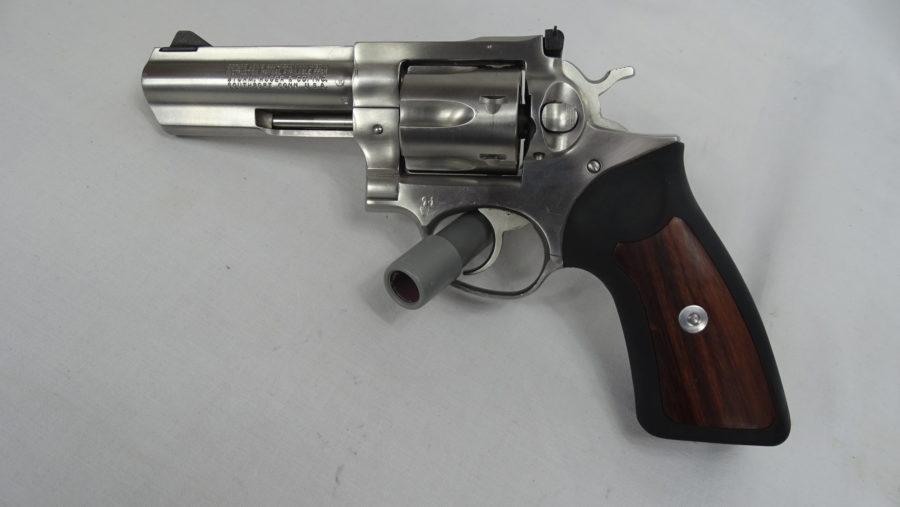 Revolver Ruger Mod GP100 met 4 duimloop In Perfecte Staat. Prijs 755,00€ T627
