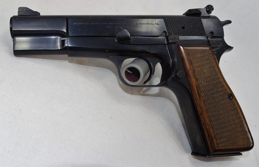 FN GP Met Verstelbaar Visier En Tweede Lader. Kaliber 9×19 . Prijs 795,00€ T550