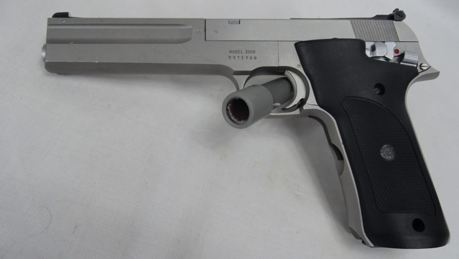 Pistool Smith & Wesson Model 2206 Kal .22 LR. In Goede Staat. T665
